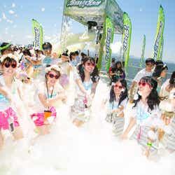 泡まみれで弾ける人気ランイベント「バブルラン」広島大会の詳細