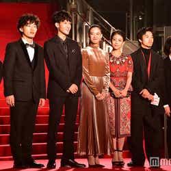 (左から)枝見洋子、松居大悟、葉山奨之、蒼井優、高畑充希、太賀、石崎ひゅーい(C)モデルプレス