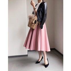 """ピンクの可愛さを大人っぽく変換。大人世代のピンクの着こなしは""""MinoRiさん""""がお手本!"""
