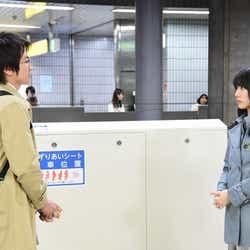 藤原竜也、戸田恵梨香/『リバース』第3話より(画像提供:TBS)