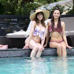 (左から)野崎萌香と石田ニコル(提供画像)