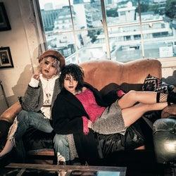 """E-girls・YURINO&SAYAKAがお手本 男子よりかっこいい女子モテ""""ガールズクラッシュ""""がトレンド"""