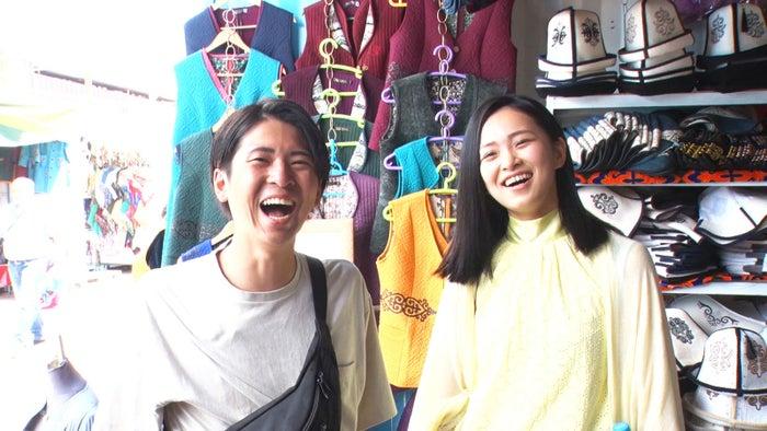 トム、桜子「あいのり:Asian Journey」シーズン2第18話より(C)フジテレビ