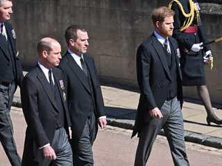ウィリアム王子、フィリップ殿下の葬儀でヘンリー王子と並んで歩くことを望まず。