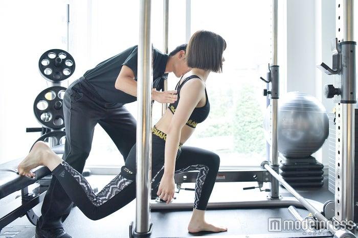高野祐衣/ヒップを鍛えるトレーニング (C)モデルプレス