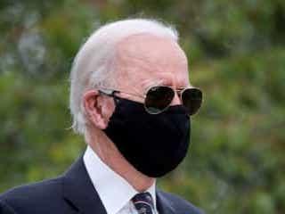 バイデン氏、マスク着用しないトランプ氏は「本当のばか」と批判