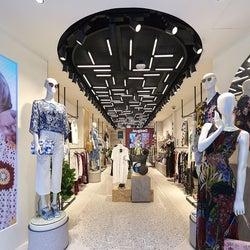 「デシグアル」 銀座中央通りに旗艦店をオープン