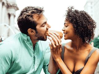 男性が夢見てる「デート中のイチャイチャ」4選 一度はしたいな!
