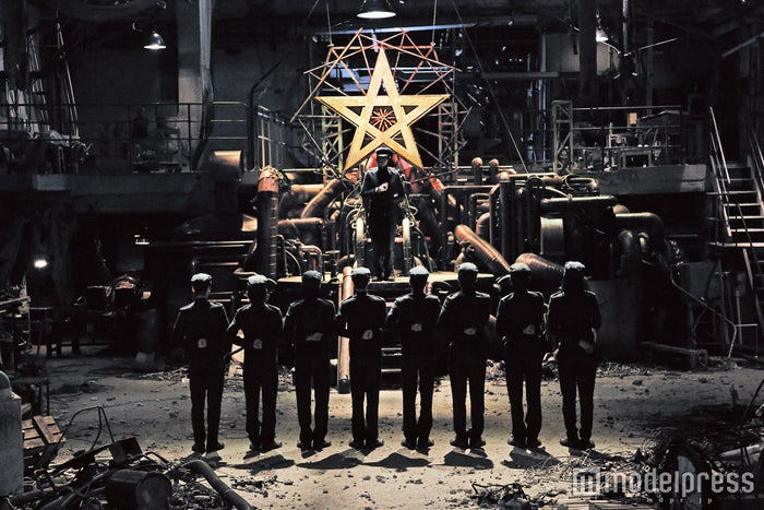 廃工場の秘密基地「光クラブ」に集う9人の少年(C)2016『ライチ☆光クラブ』製作委員会