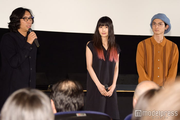 イベントに登壇した(左から)行定勲監督、橋本愛、高良健吾(C)モデルプレス