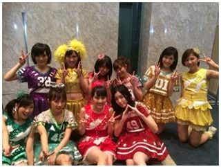 ももクロ・有安杏果がAKB48・たかみな、まゆゆらとの記念ショット公開!「FNS歌謡祭」アイドルコラボで共演
