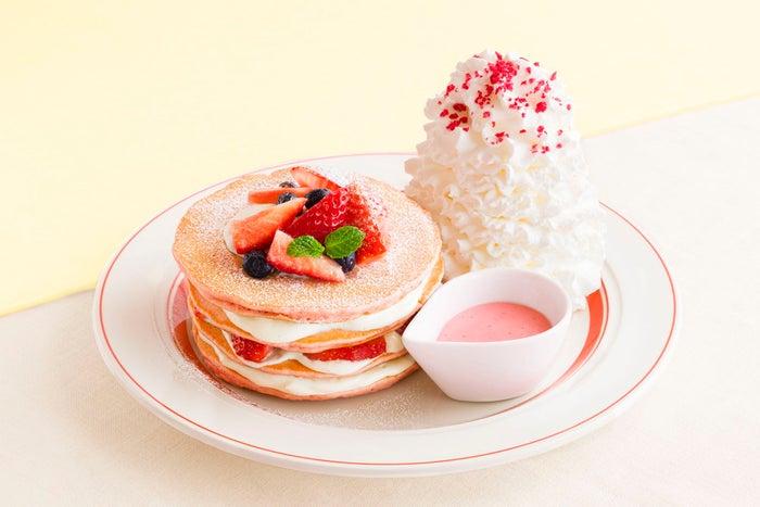 ミルクのミルフィーユパンケーキ税込1,630円/画像提供:Eggs'n Things Japan