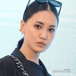 モデルプレス - E-girls藤井夏恋、資格勉強も ファッション発信にさらなる意欲
