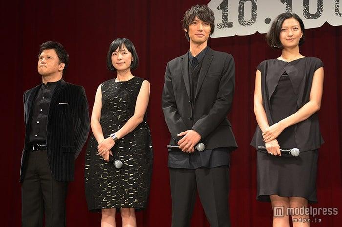 (左から)橋本じゅん、西田尚美、福士蒼汰、榮倉奈々