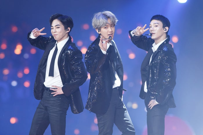 EXO-CBX(左から)シウミン、ベクヒョン、チェン(C)CJ E&M Corporation, all rights reserved
