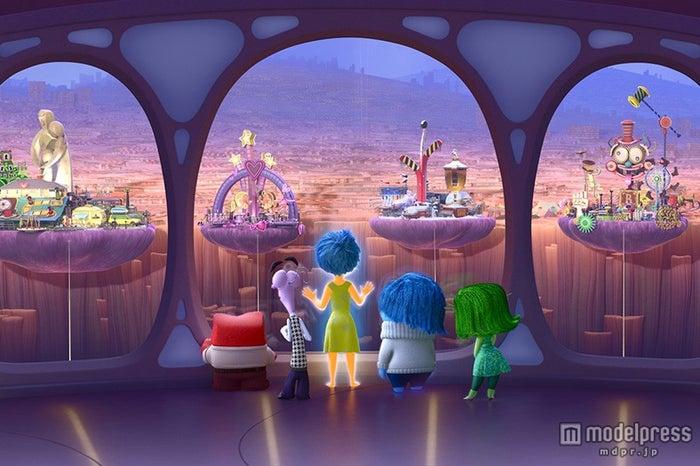 """誰も見たことがない""""感動冒険ファンタジー""""(C)2015 Disney/Pixar.All Rights Reserved."""