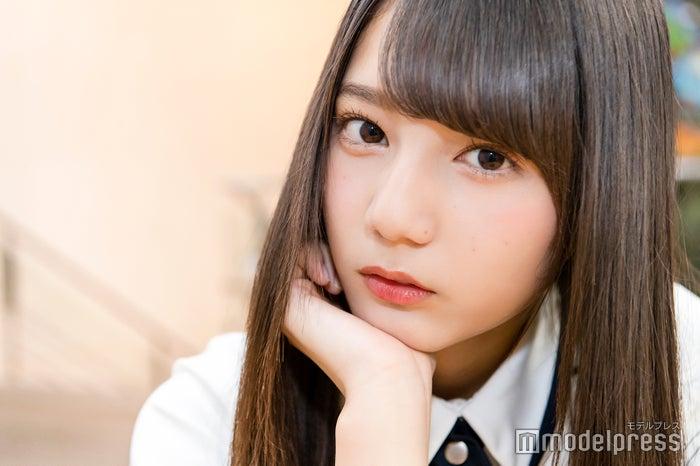 モデルプレスのインタビューに応じた小坂菜緒(C)モデルプレス