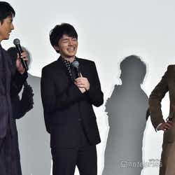 沢村一樹のボケに笑みを浮かべる林遣都、田中圭(C)モデルプレス