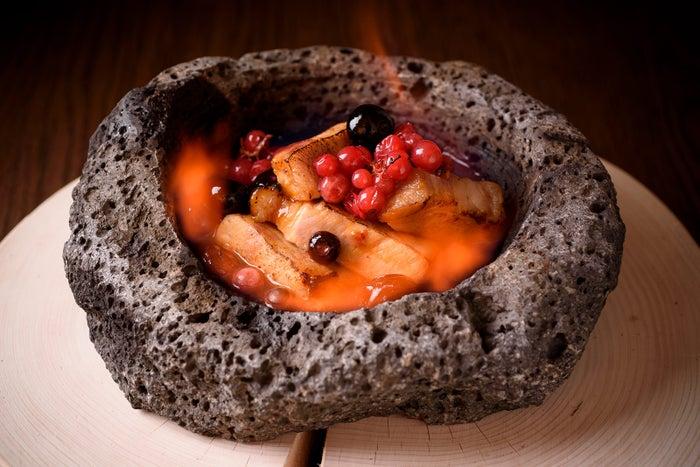 料理名「熔岩」/画像提供:カトープレジャーグループ