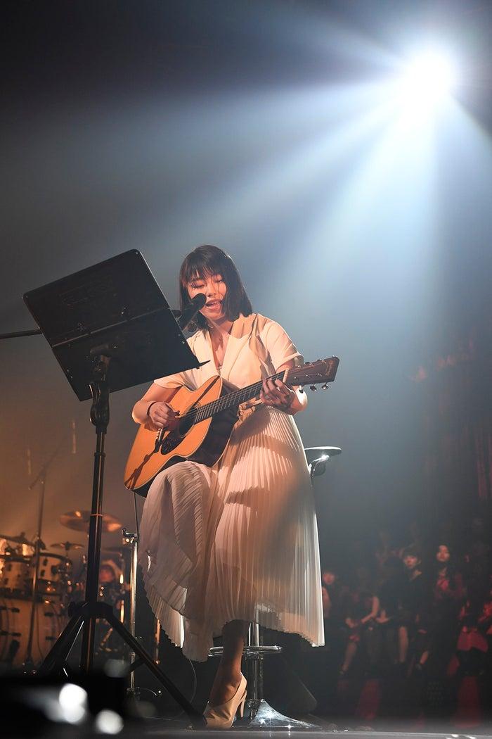 横山由依「第6回 AKB48紅白対抗歌合戦」(C)AKS