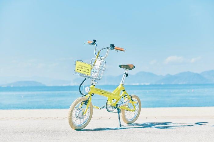坂道を楽々移動できる、電動式の「SHIMANAMI LEMON e-BIKE」(提供画像)