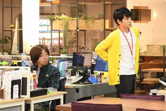 柄本時生、泉澤祐希/「わたし、定時で帰ります。」第7話より(C)TBS