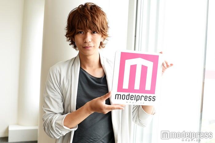 モデルプレスのインタビューに応じた、三浦翔平(C)モデルプレス