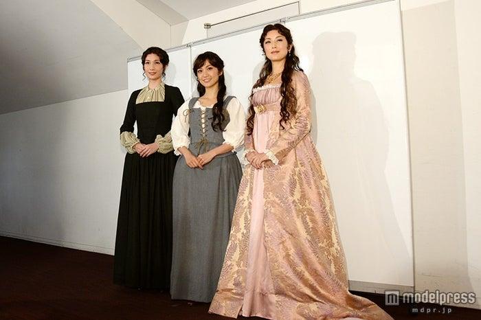 (左から)マイコ、大島優子、高岡早紀