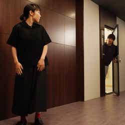 山田真歩、田中圭/「あなたの番です」第16話より(C)日本テレビ