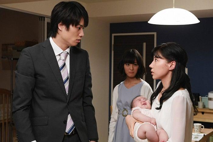 鈴木伸之、大友花恋、仲里依紗/「あなたのことはそれほど」第7話より(画像提供:TBS)