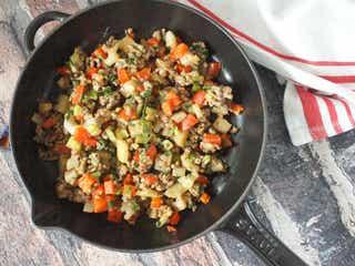 アウトドアめしや常備菜に!アレンジ自在な野菜たっぷりひき肉レシピ