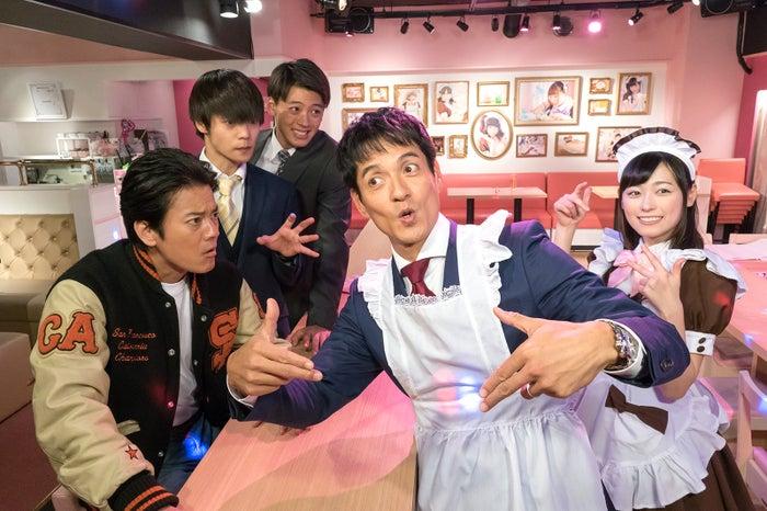 (左から)唐沢寿明、窪田正孝、竹内涼真、沢村一樹、福原遥 (C)日本テレビ