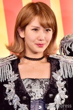 """岡井千聖、弟との2ショット公開 インスタライブで""""ハロプロ楽曲""""熱唱も話題に"""