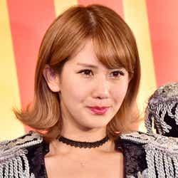 モデルプレス - 岡井千聖、イケメン父にスタジオざわつく 貧乏エピソードにも驚愕