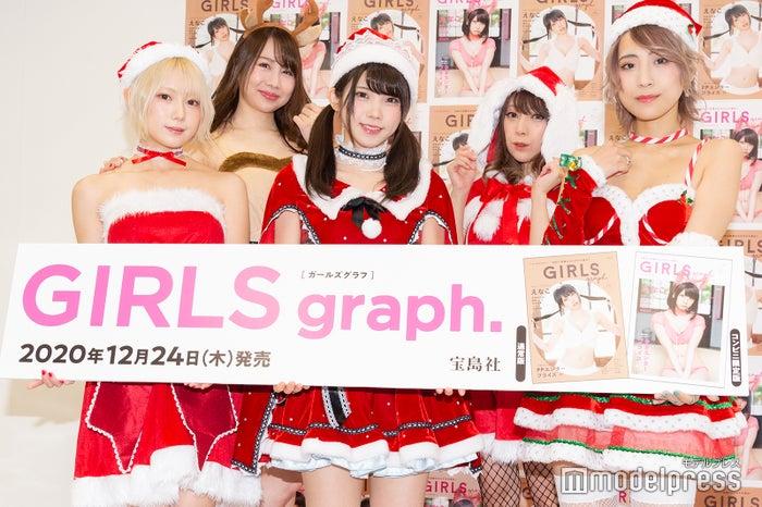 (前列左から)篠崎こころ、えなこ、つんこ(後列左から)吉田早希、宮本彩希(C)モデルプレス