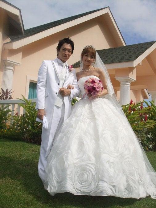 ハワイで挙式した小倉優子