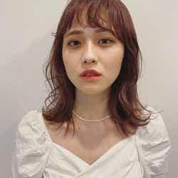 「オニオンバング」モデル:ayako(Instagram:@aliy.___)/提供画像:「hair & fashion shiomi H」えがしらまいこ氏(Instagram:@egsrmik)