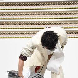 """斎藤工が""""瓦10枚割り""""に挑戦 米倉涼子が興奮「かっこよすぎる!」"""