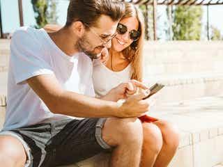 【長続きカップルに聞いた!】関係が上手くいくLINE頻度ってどのくらい?