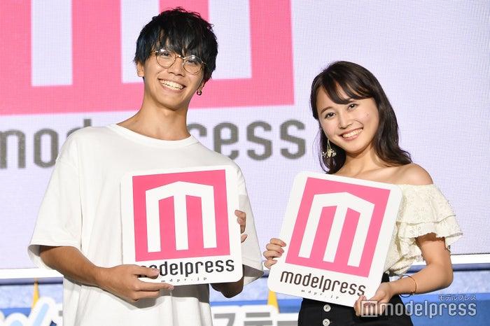 (左から)山口航大さん、中林奈々さん(C)モデルプレス