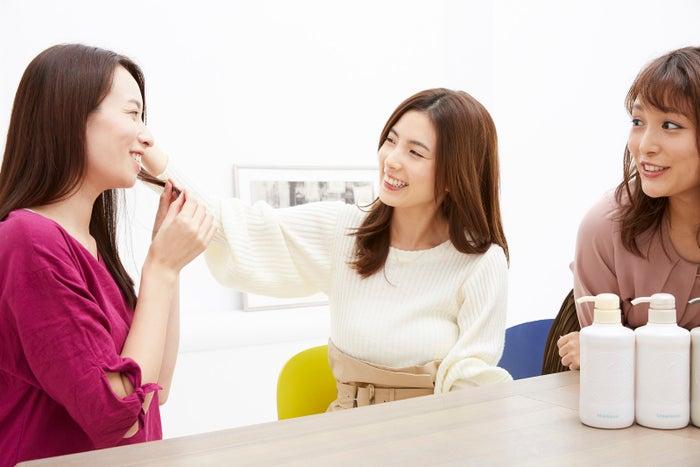 (左から)水野智世さん、濱田あおいさん、石川琴允さん