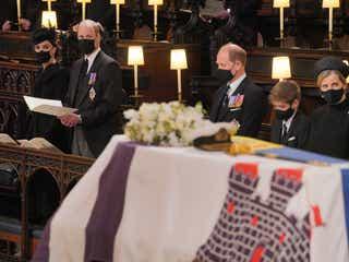 フィリップ殿下の葬儀、エリザベス女王ら30名が参列。