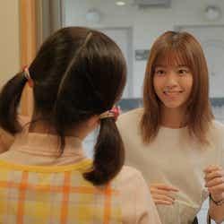 (右)西野七瀬 (C)「ホットママ」製作委員会