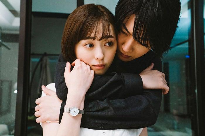 福原遥・桜田通/「コーヒー&バニラ」第1話より(画像提供:MBS)