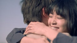"""吉沢亮と深川麻衣が抱きしめ合う """"プロポーズ翌日""""の2人「幸せでした」"""