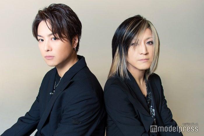 モデルプレスのインタビューに応じたTAKAHIRO、HISASHI (C)モデルプレス