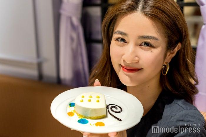 「チビナス特製 おれのレアチーズケーキ」 (C)モデルプレス