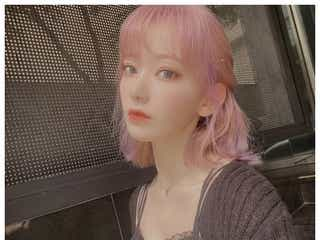 """IZ*ONE宮脇咲良、""""紫ヘア""""にイメチェン「美しすぎ」「天使」と絶賛の声"""