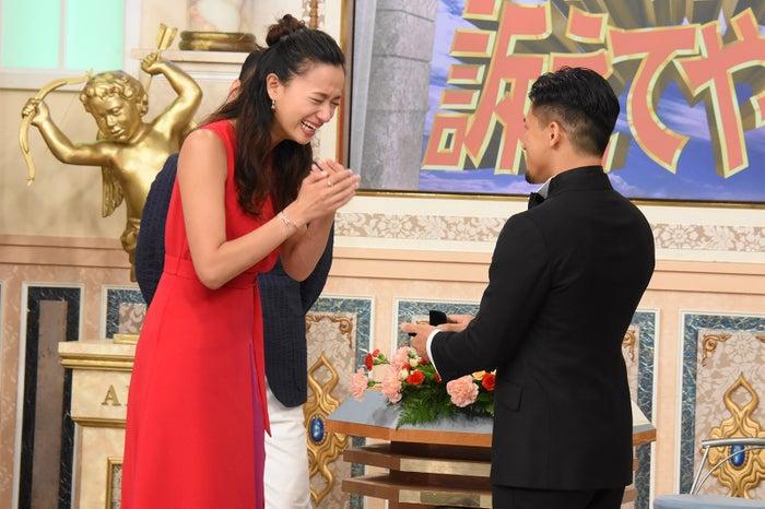 高橋ユウ、卜部弘嵩選手(C)日本テレビ