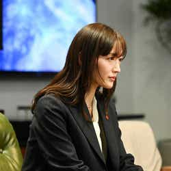 綾瀬はるか「天国と地獄 ~サイコな2人~」第8話より(C)TBS